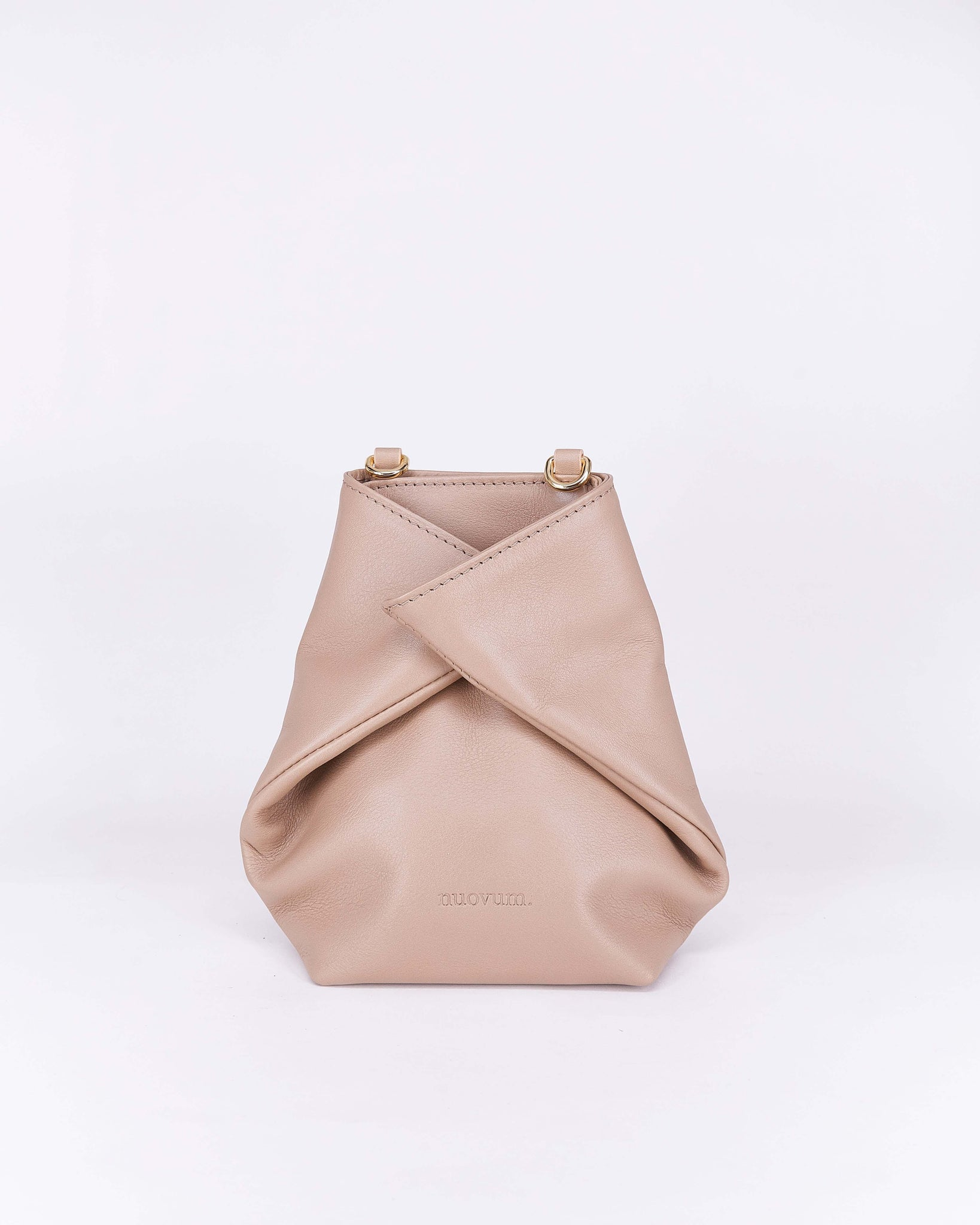 Candy-Taupe-Leather-Designbynuovum-Localdesigners-Barcelona-Front