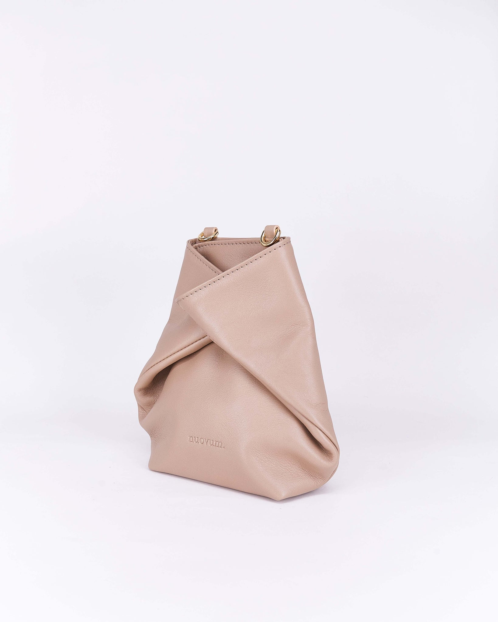 Candy-Taupe-Leather-Designbynuovum-Localdesigners-Barcelona-Side