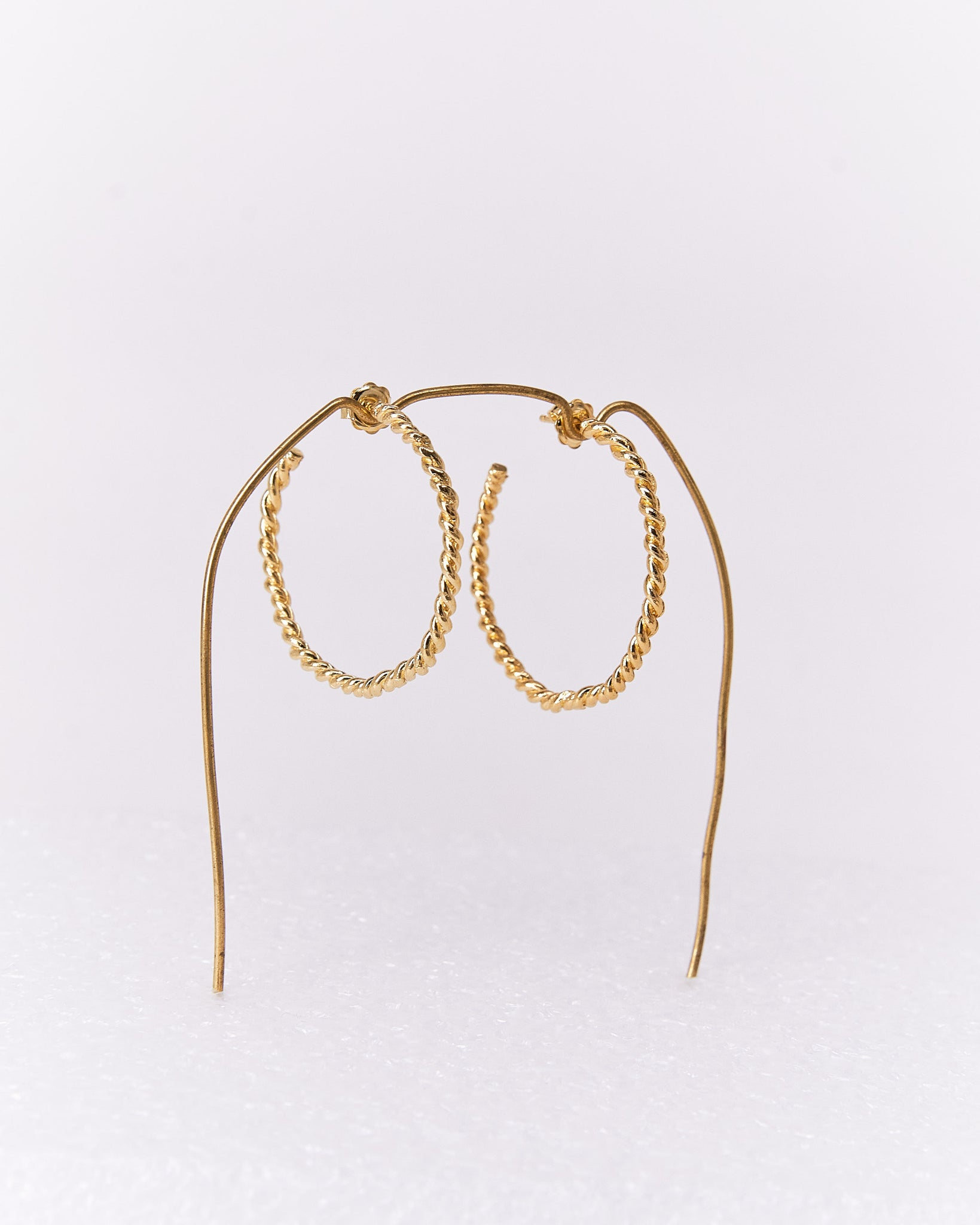 Earrings-Josefa-Hoops-CristinaJunquero-Gold-Handmade-Nuovum-Barcelona-localdesigners
