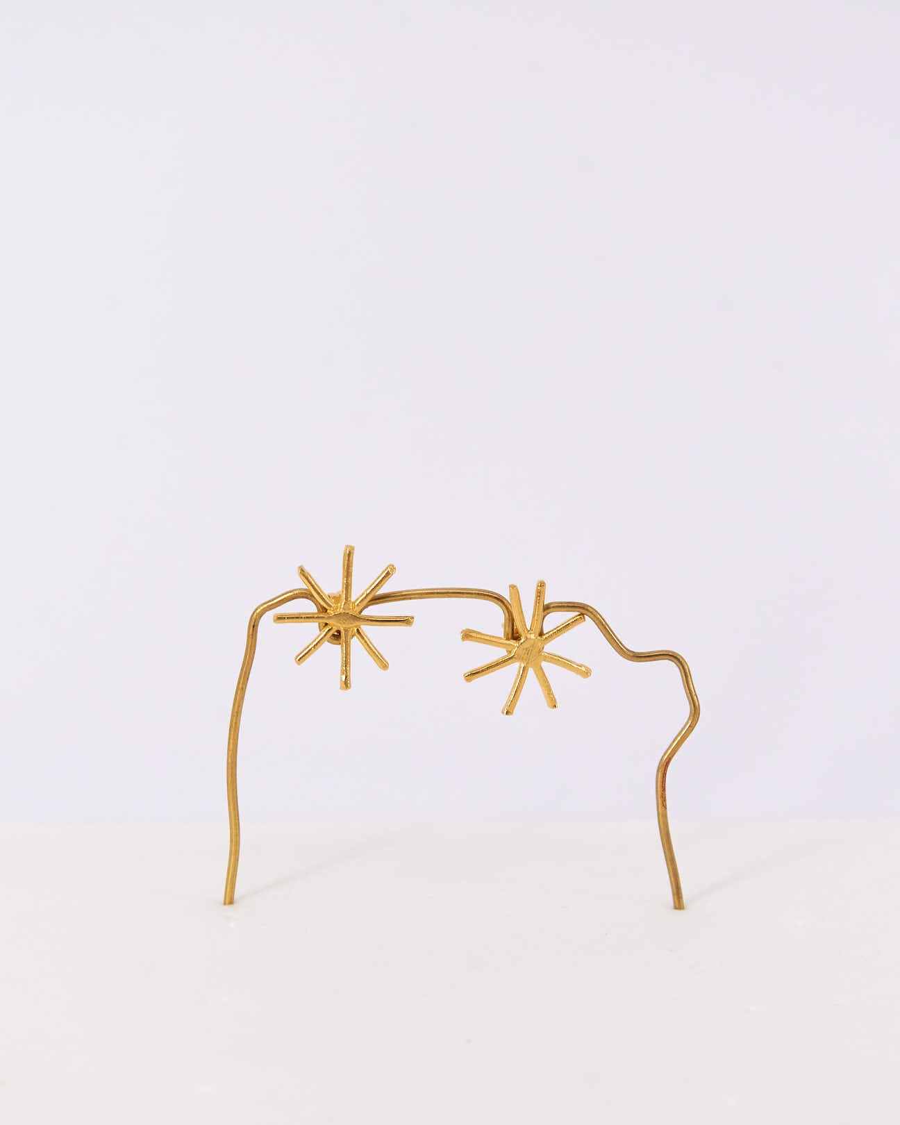 Earrings-Stud-Mini-Stars-CristinaJunquero-Gold-Handmade-Nuovum-Barcelona-localdesigners