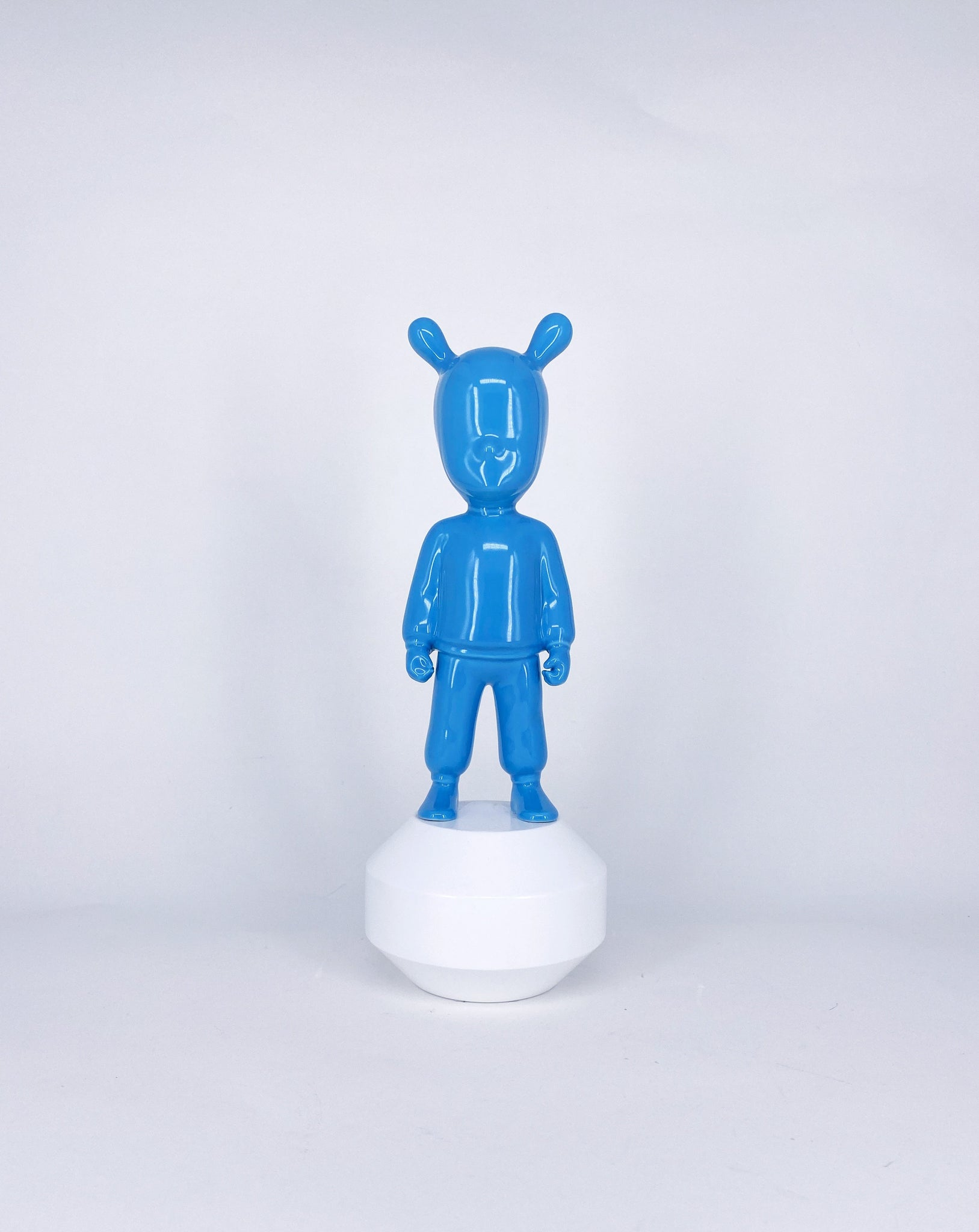 Figurine The Blue Guest