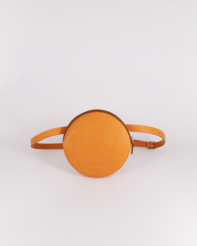 Funny-Pack-Fahrenheit-Circle-Leather-Sand-Handmade-Nuovum-Barcelona-localdesigners