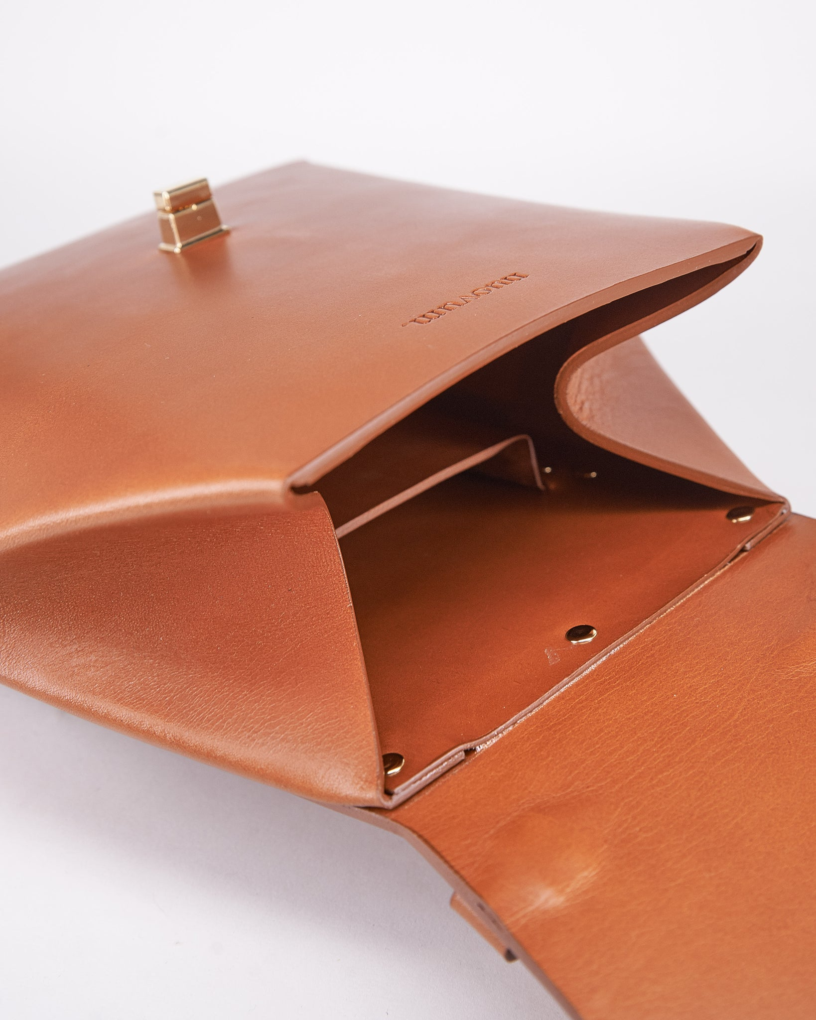 HexBag-Brown-Leather-DesignedbyNuovum-Localdesigners-Barcelona-Inside