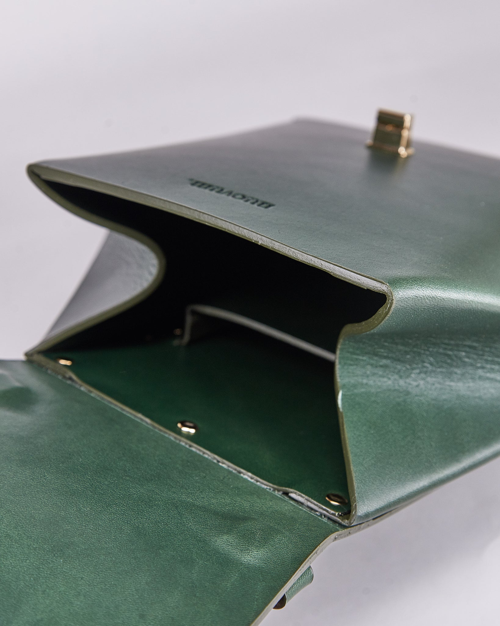 Hex Bag-Green-Leather-Designed by Nuovum-Localdesigners-Barcelona-Inside
