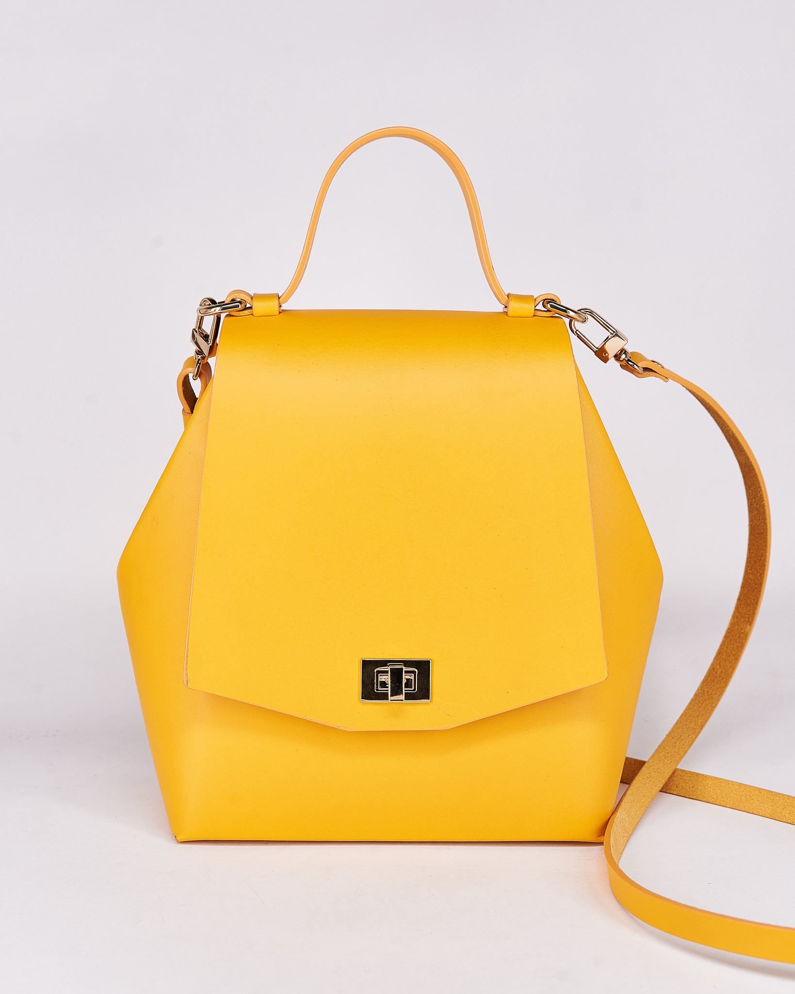 HexBag-Yellow-Leather-DesignedbyNuovum-Localdesigners-Barcelona-FrontStrap