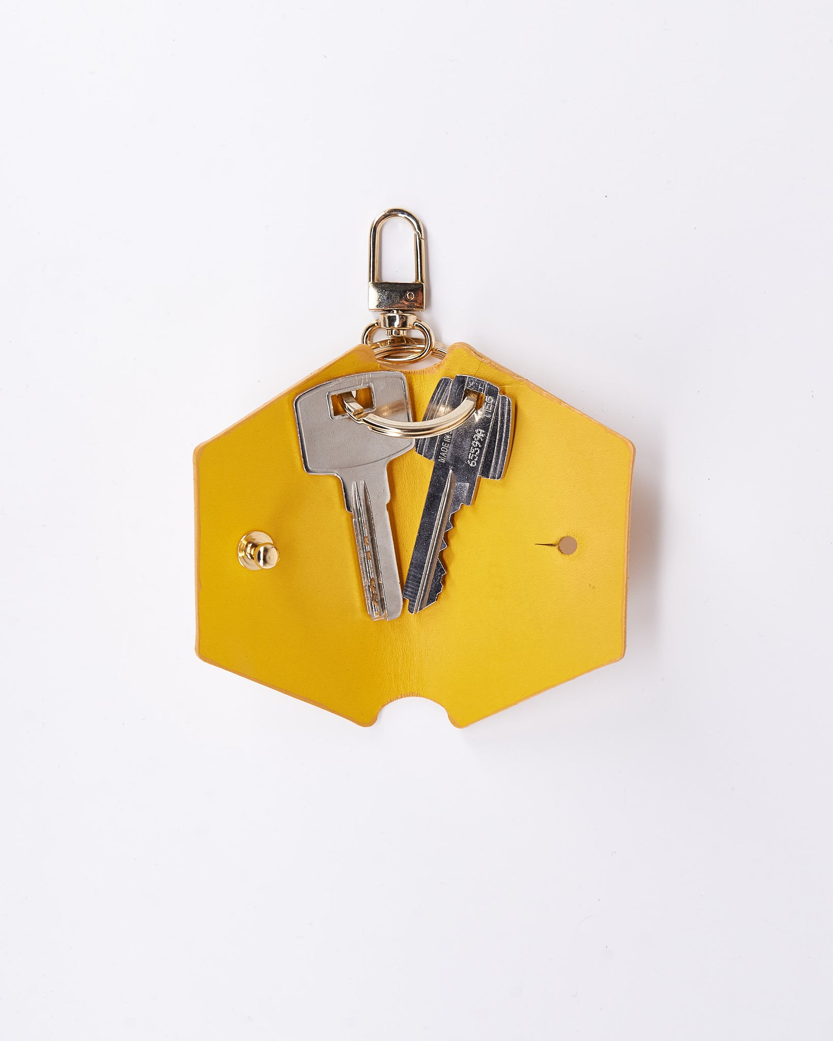 KeyWrap-Nuovum-Leather-Yellow-localdesigners-Barcelona-Nuovum-Handmade-Open