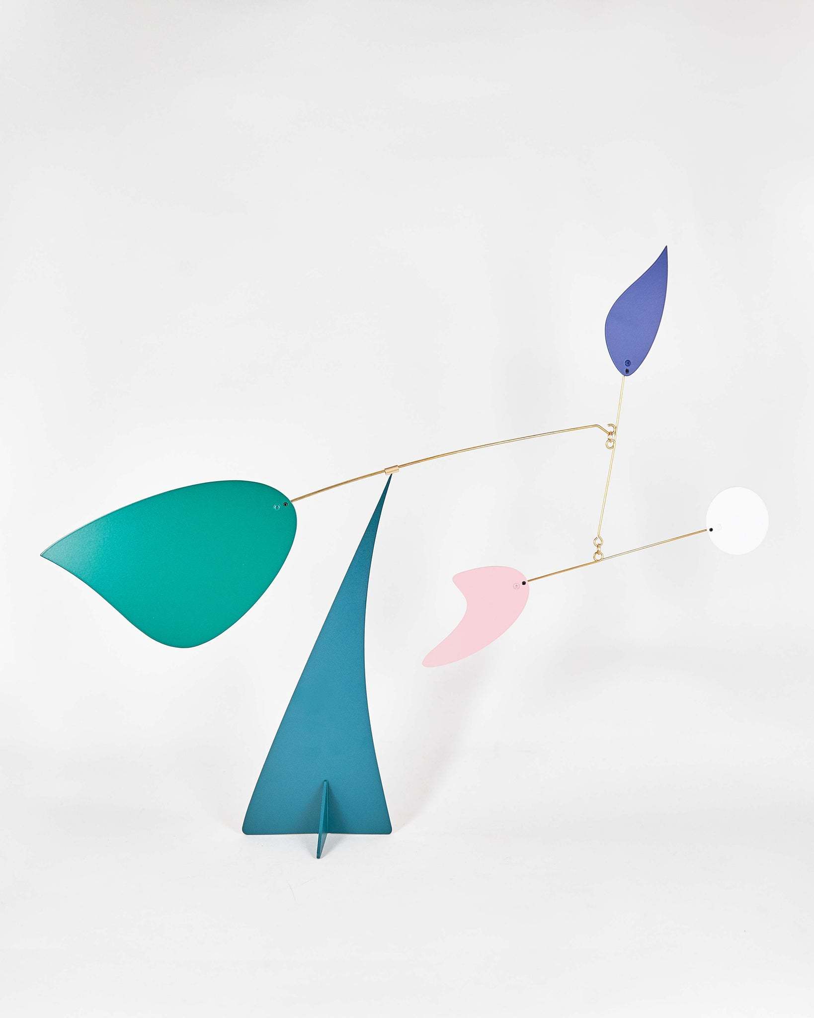Mobile-Miami-Volta-Calder-Metal-Blue-Pink-Green-White-Handmade-Nuovum-Barcelona-localdesigners-Front