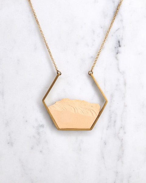 Necklace Open Hexagon Nude Gold