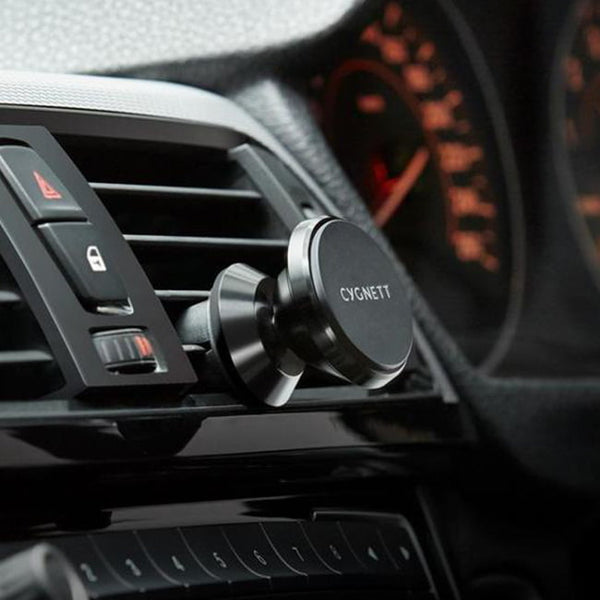 Cygnett-MagMountVent-Car-Mount-action