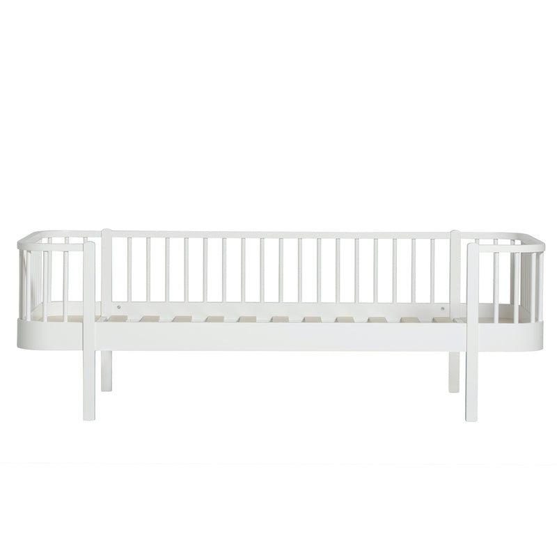Oliver Furniture <br/> Original Bettsofa Wood 90 x 200 cm <br/> Weiss