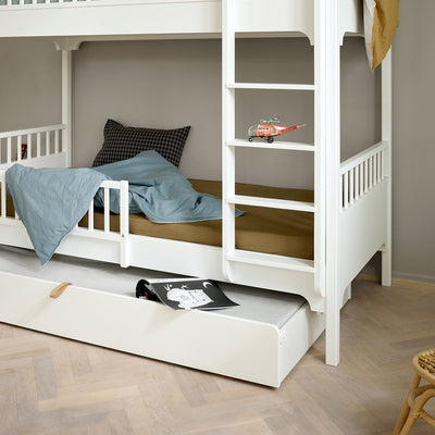 Oliver Furniture Seaside conversion set Half-high loft bed to bunk bed with straight ladder White