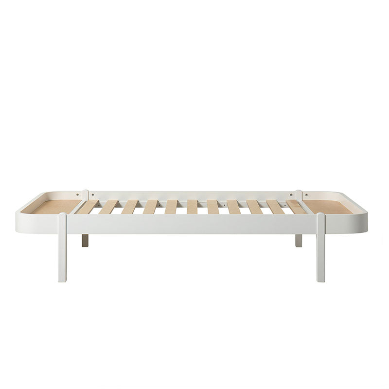 Oliver Furniture <br/> Wood Lounger Bett 120 x 200 cm <br/> Weiss