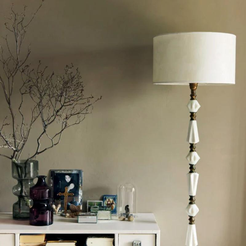Farrow & Ball <br/> Modern Emulsion <br/> Light Gray 17
