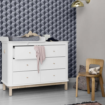 Oliver Furniture Small changing table for Wood chest of drawers with 6 drawers White