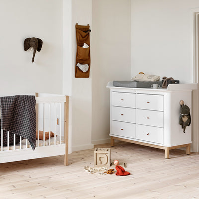 Oliver Furniture Wood changing table 6 drawers with large changing table White / oak