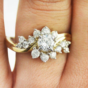 Noble Rich Flower Ring