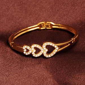 Free Jewelry - Three Hearts Bracelet - Clever Clad