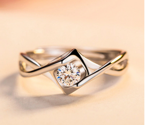 Classy Twisted Zircon Engagement Ring Band