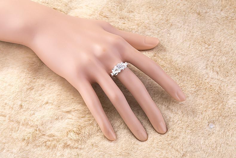 Luxury AAA+ Pure Zirconia Engagement / Wedding Ring