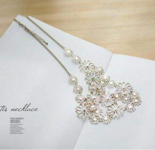 Free Jewelry - Multilayer Flowers Necklace - Clever Clad