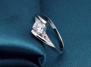 Fine Shiny Wedding Ring