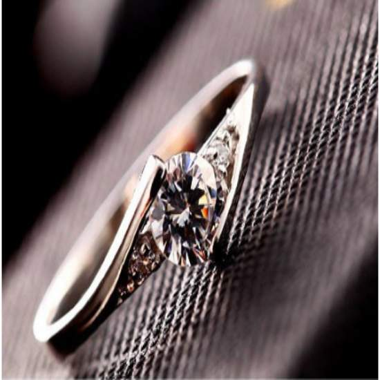 Graceful Luxury Ring