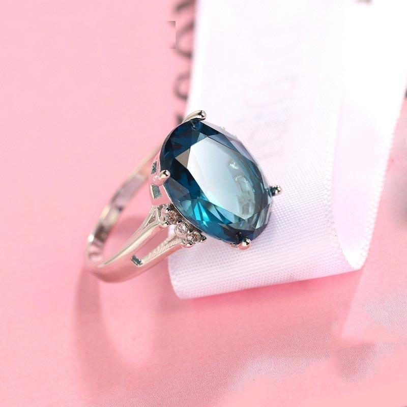 Oval Dazzling Blue Crystal Ring
