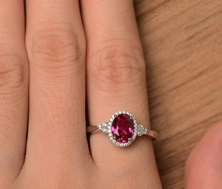 Sparkling Red Micro Heart Ring