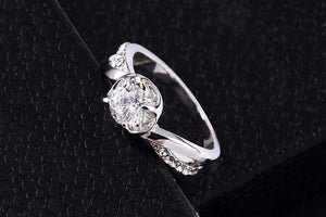 Top Rated Crystal Rose Fashion Ring