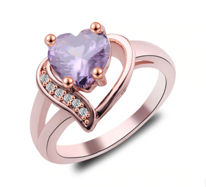 TOP RATED! Classy Vintage Zircon Heart Engagement Ring