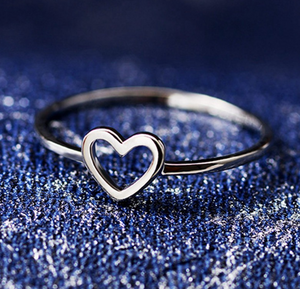 Top Rated Sweet Love Heart Engagement Ring