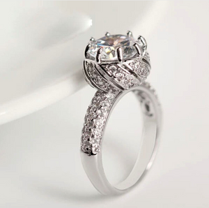 Top Rated Luxury Zircon Engagement Ring