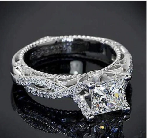 Luxury AAA+ Cubic Zircon Engagement Ring