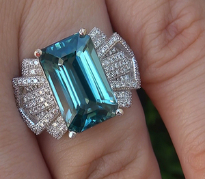 Lovely Ocean Blue Zircon Stone Engagement Ring