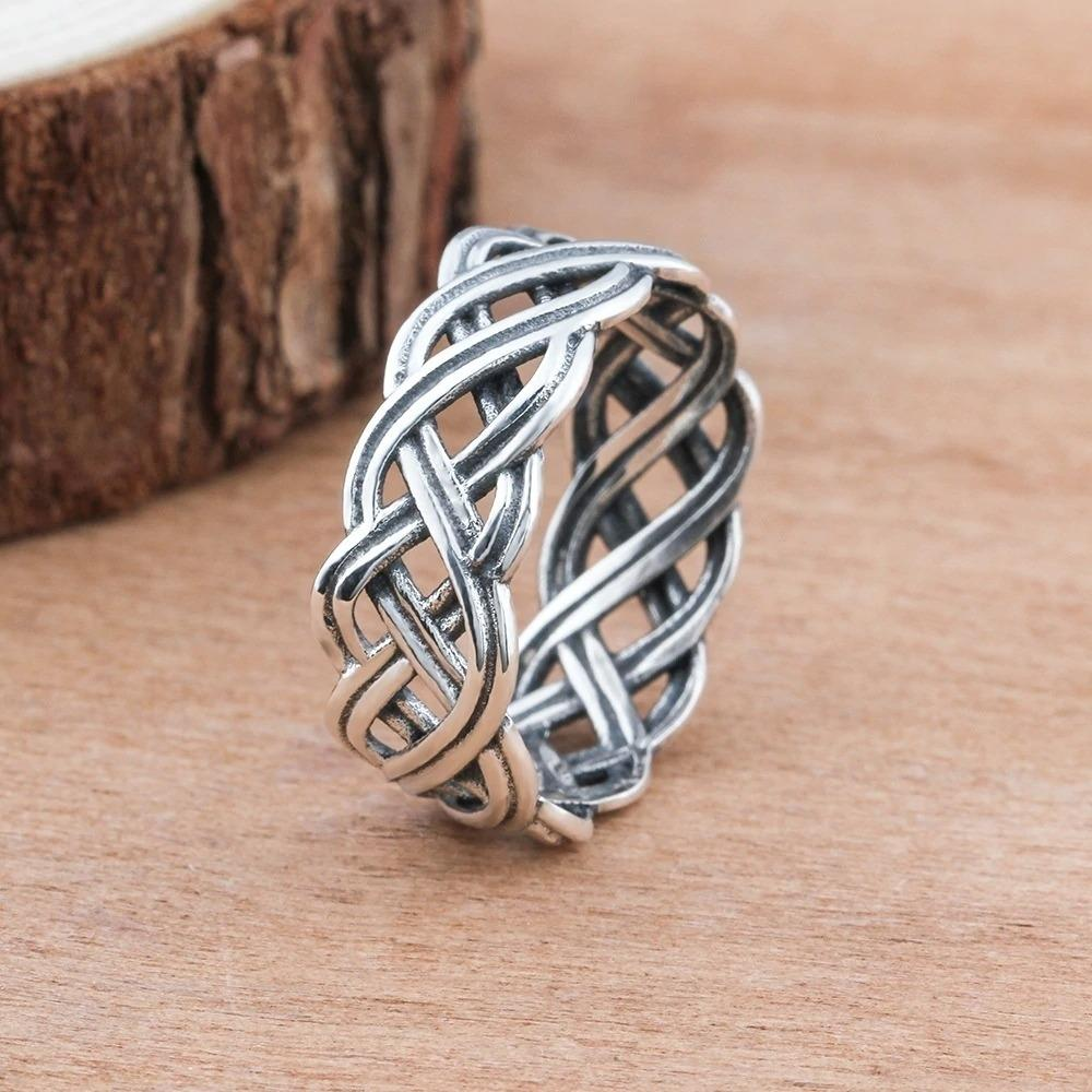 Intertwined Cross Knit Ring
