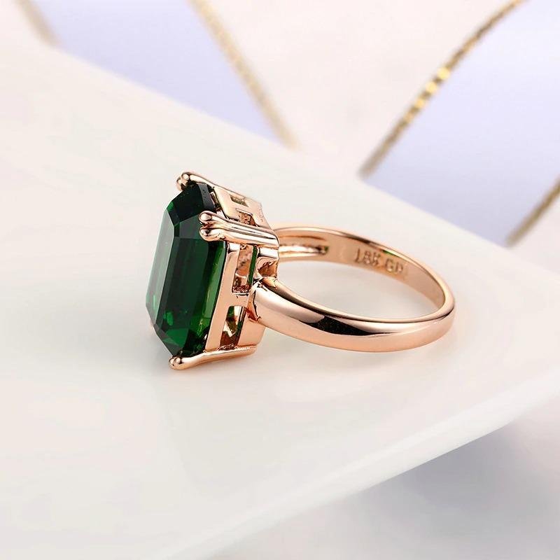 Classical Green Crystal Ring