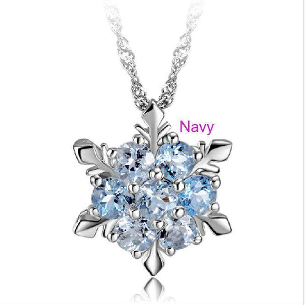 Beautiful snowflake necklace