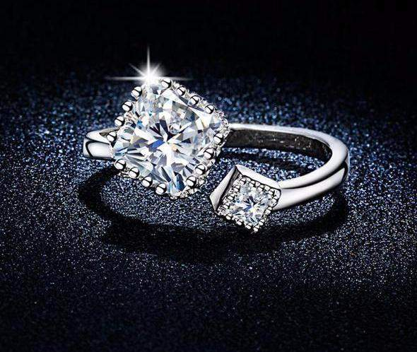 Glamorous Twin Crystal Adjustable Party Ring