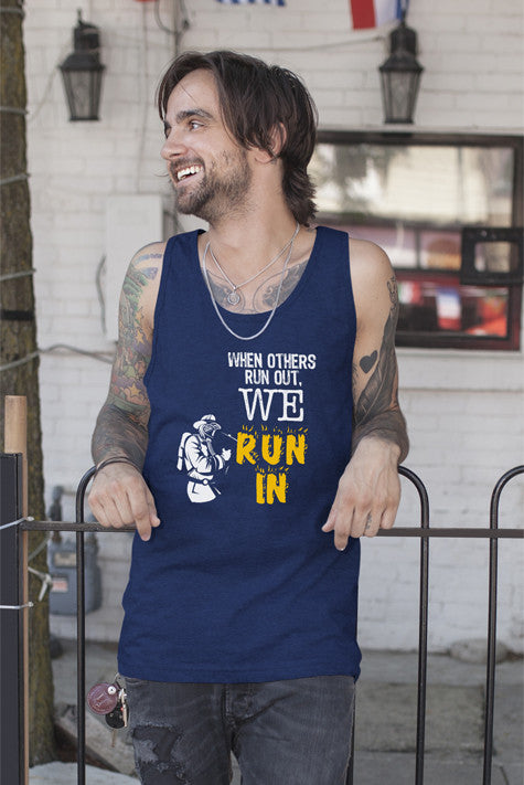 FunkyShirty When Others Run Out. We Run In (Men)  Creative Design - FunkyShirty