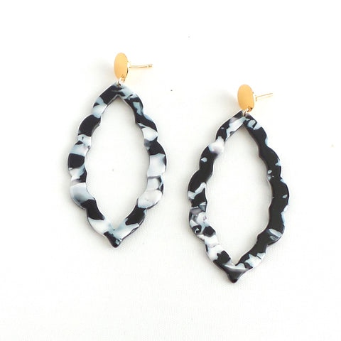 Lola Hollow Black Earrings