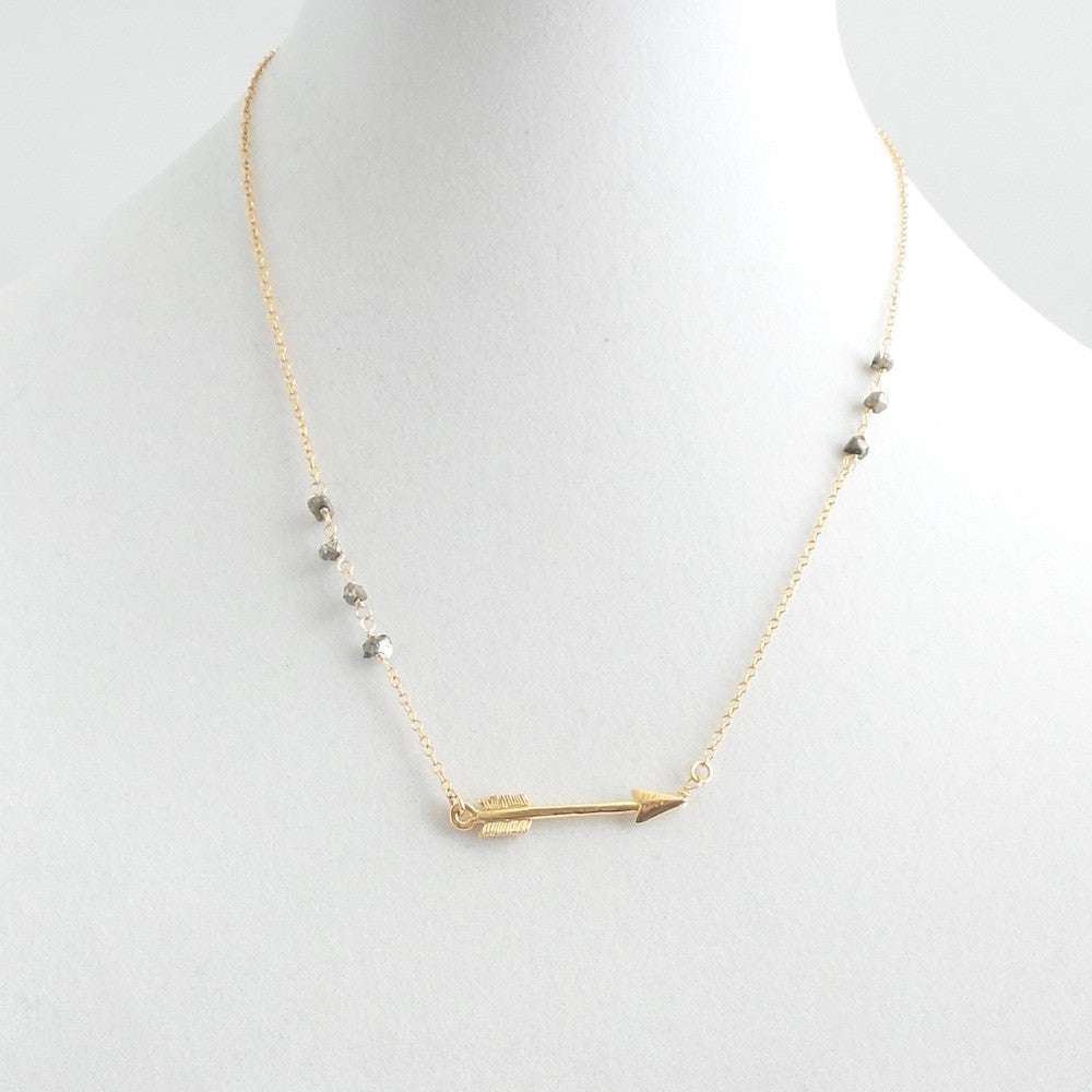Short Arrow Necklace - Estilo Concept Store