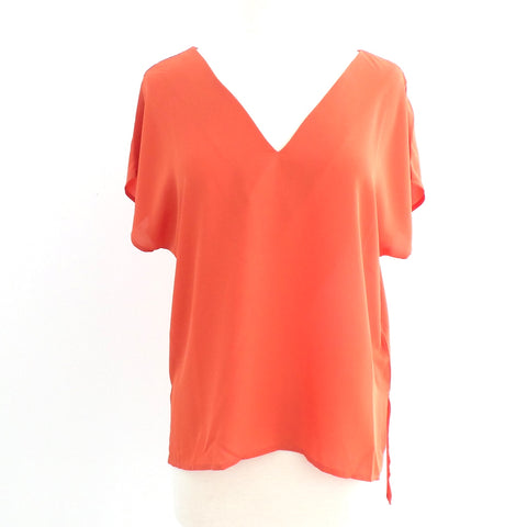 Flamingo Deep V Neck Top - Estilo Concept Store