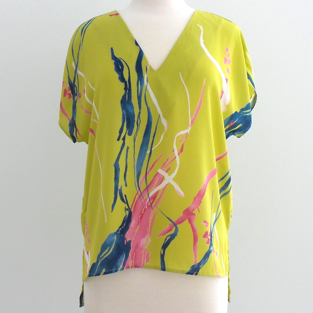 Green Abstract V Neck Top - Estilo Concept Store