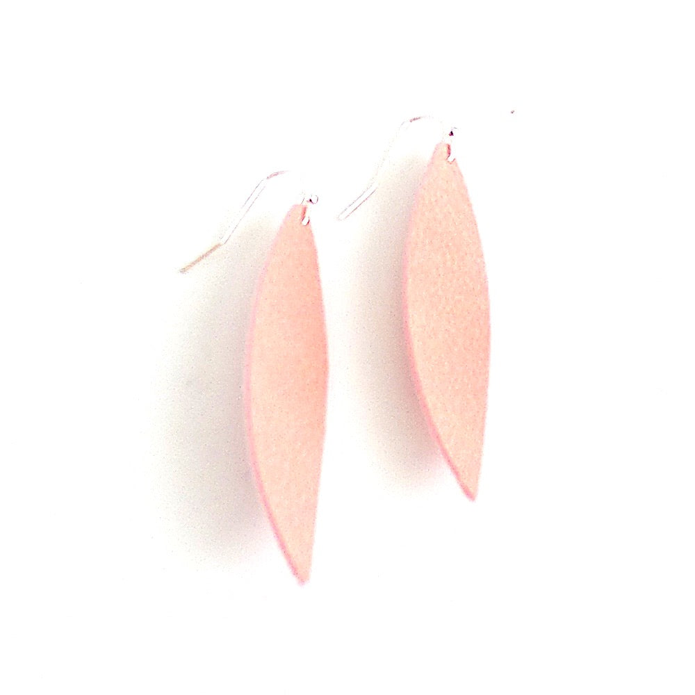 Leather Feather Earrings *click for more colors - Estilo Concept Store