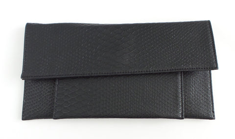 Jet Black Passport Clutch - Estilo Concept Store