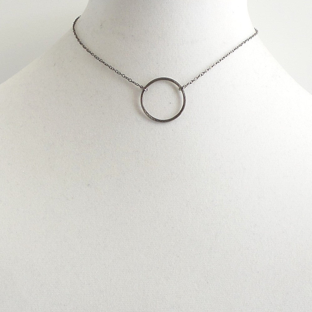Gunmetal Circle Choker Necklace - Estilo Concept Store