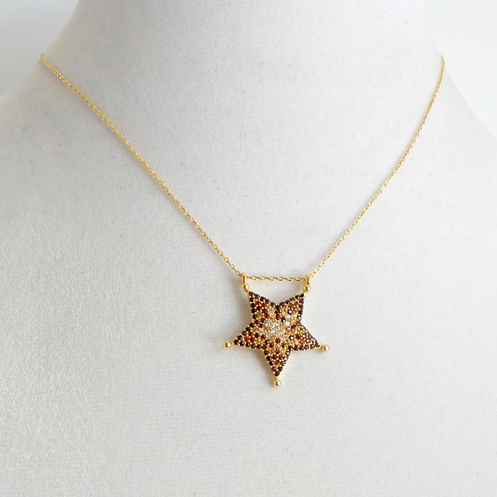 Star Pendant Necklace - Estilo Concept Store