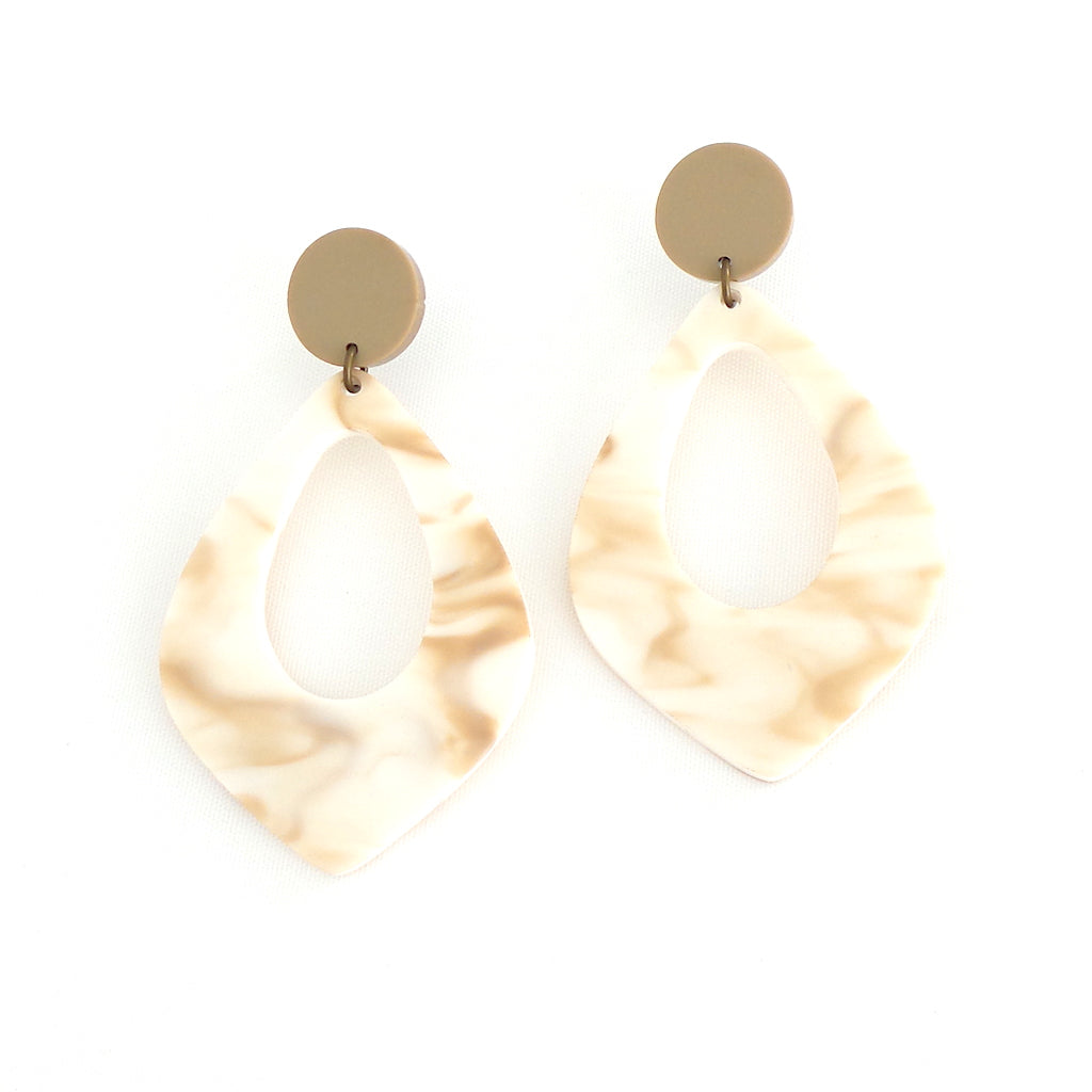 Matte Swirl Acrylic Teardrop Earrings - Estilo Concept Store