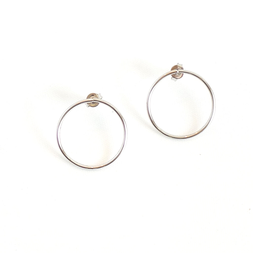 Silver Circular Stud Earrings - Estilo Concept Store