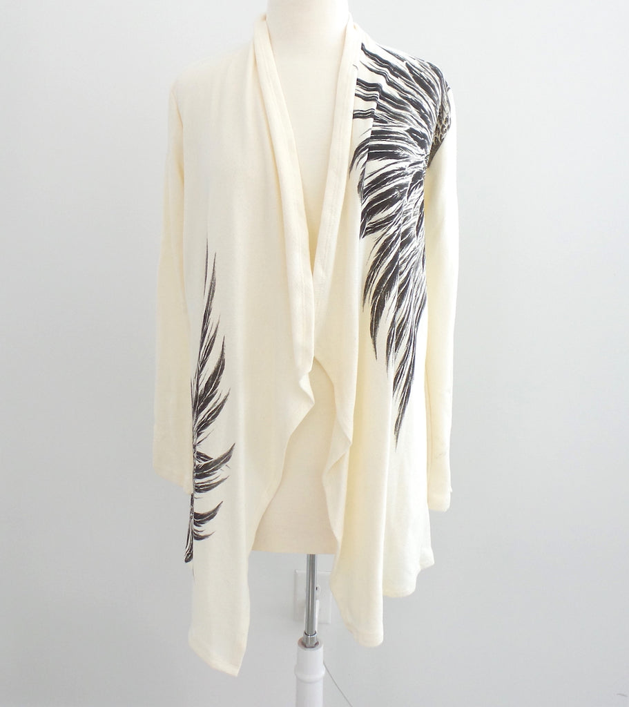 Cream with Grey Wings Cardigan - Estilo Concept Store